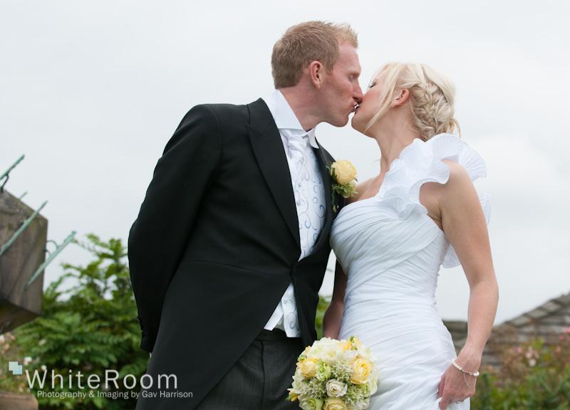 Waterton-Park-Walton-Hall-Wedding-Photography_0048